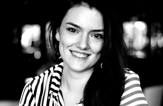 Elena_Aspire_22-1-blackwhite